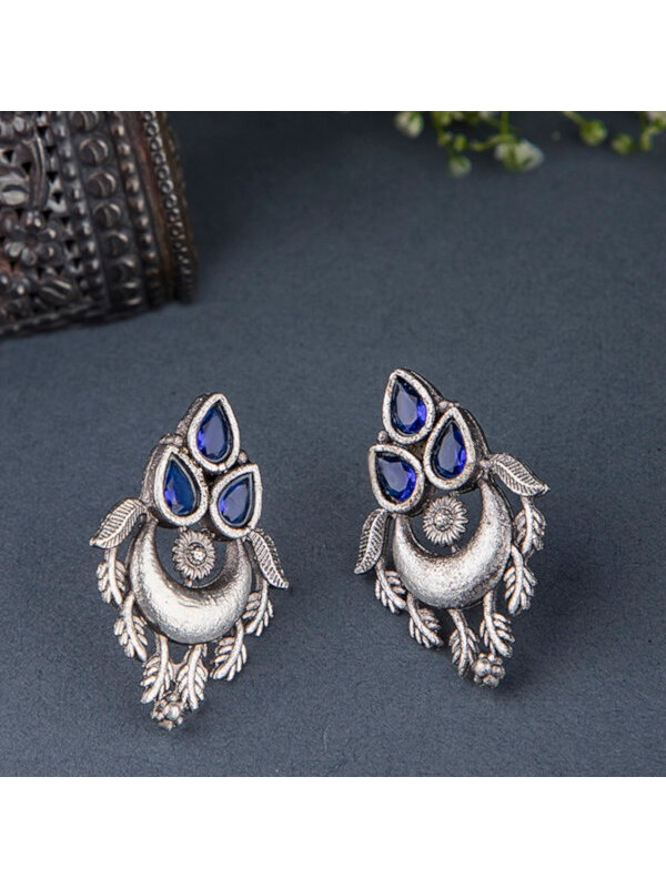 Queen Be  Oxidised Trinity Blue Color Stone Tops