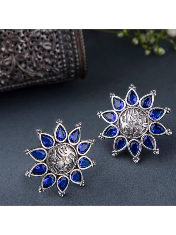 Queen Be  Oxidised Blue Aster Flower Tops